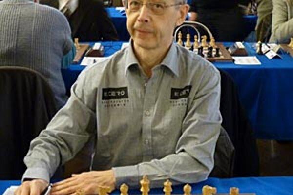 Gennadij Timoščenko reprezentoval Nitru na majstrovstvách sveta hráčov nad 60 rokov.