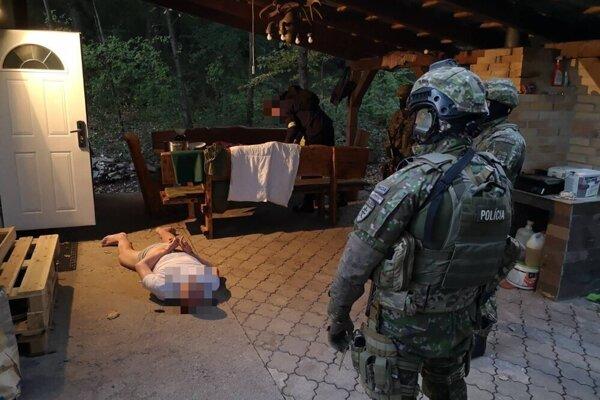 Momentka zo zadržania jedného z páchateľov.