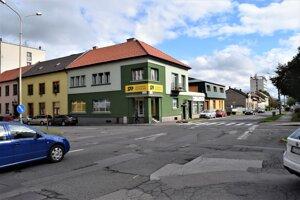 Križovatku ulíc Novohradká a M. Rázusa čakajú stavebné úpravy.