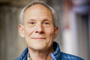 Vincent Stanley je riaditeľom firemnej filozofie spoločnosti Patagonia.