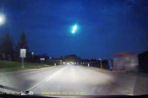 Jasne žiariaci meteor - bolid.