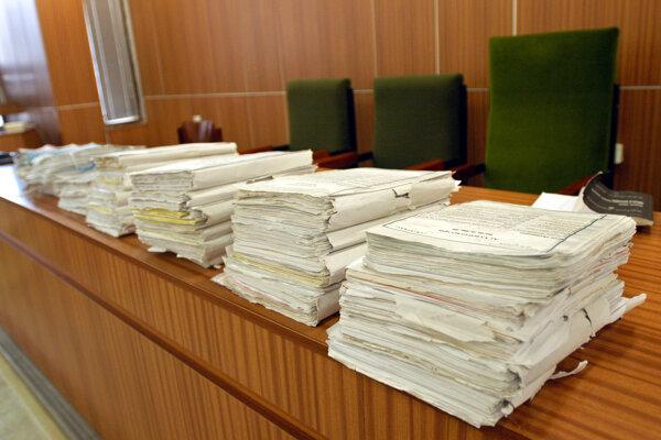 Súd Ukrajinca vyhostil.