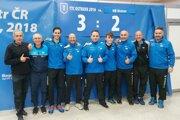 Filip Delinčák (šiesty zľava) so spoluhráčmi z TTC Ostrava.