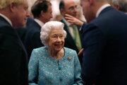 Na snímke z 19. októbra 2021 víta kráľovná Alžbeta II. hostí na Windsorskom zámku v rámci Global Investment Summit.