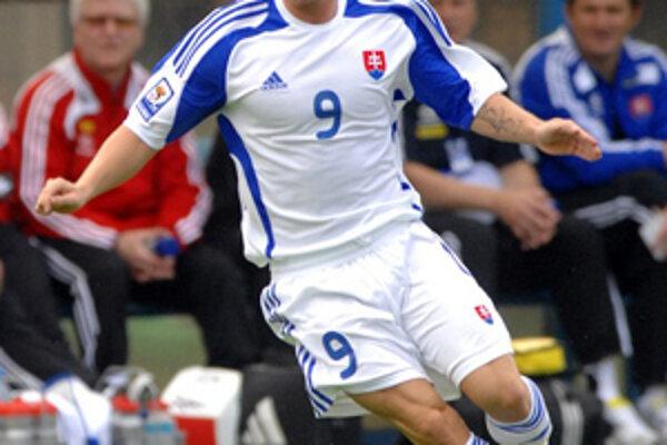 Miroslav Stoch odohral proti Kamerunu prvý polčas a prihrával na gól Kopúnkovi.