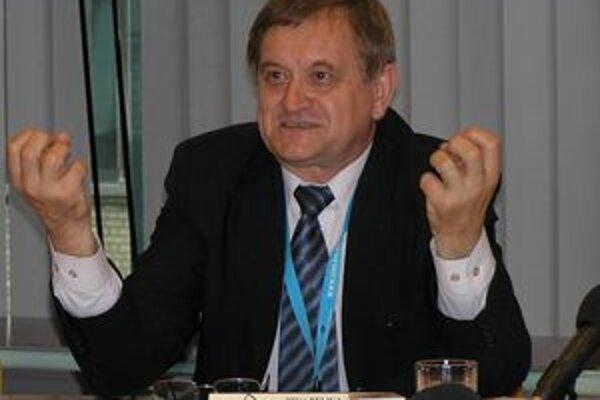 Župan Milan Belica prišiel domov zhruba o 35 hodín neskôr ako mal.