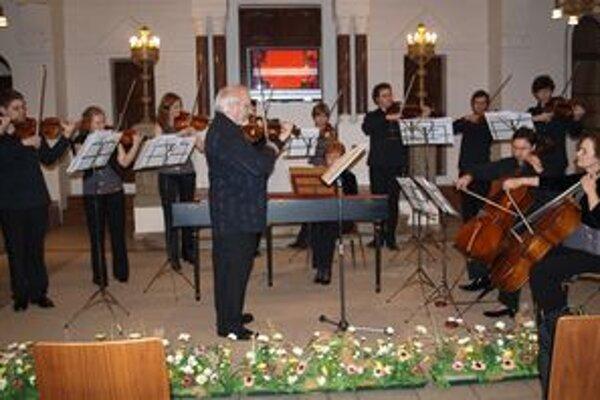 Nitriansku hudobnú jar otvoril Slovenský komorný orchester Bohdana Warchala.