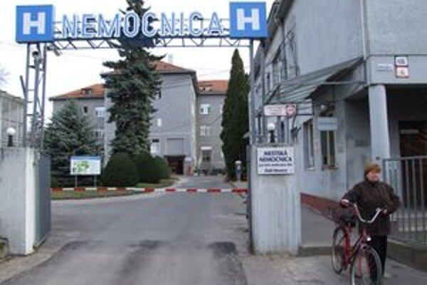 Nemocnica v Zlatých Moravciach už oslovila banky. Chce od nich získať výhodný úver.