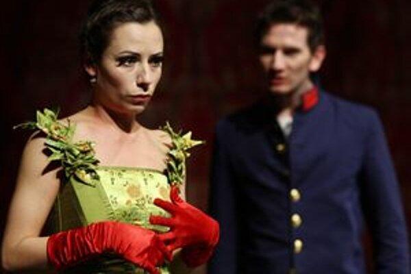 Kolumbína (Klaudia Kolembusová) a Julien (Jakub Rybárik) si napokon prestávajú rozumieť.