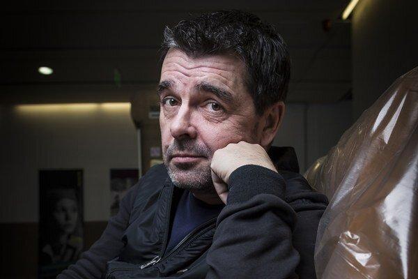 Herec a moderátor Peter Kočiš (49).