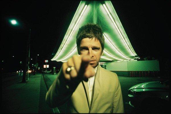 Noel Gallagher dnes na seba púta pozornosť skôr kontroverznými výrokmi než hudbou.
