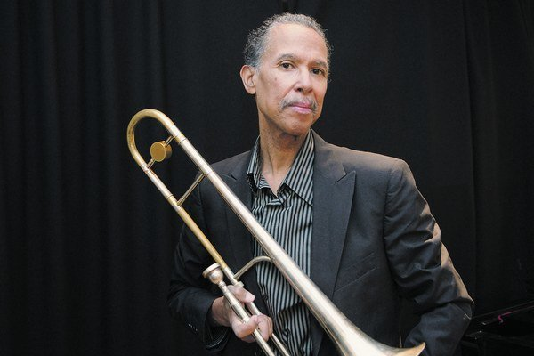 Trombónista Clifford Adams