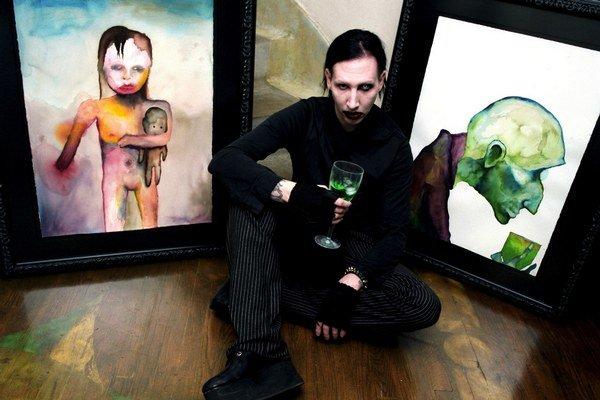 Manson nahral nový album The Pale Emperor v dobrej forme.