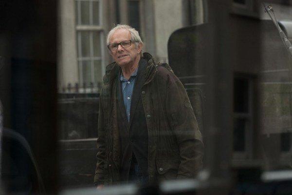Ken Loach (78) je jedným z najslávnejších a najúspešnejších anglických režisérov. Festival v Cannes si do súťaže vybral už 15 jeho filmov a často odchádzal s nejakou cenou. Za film Vietor sa dvíha o írskom boji za nezávislosť získal v roku 2006 Zl