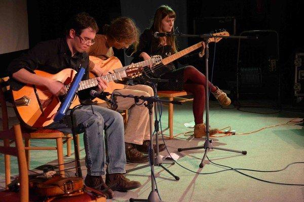 Víťazom minuloročnej súťaže sa stala kapela Maringotka, trio z Banskej Bystrice, ktorého koncert otvorí piatkový program Džezákov.