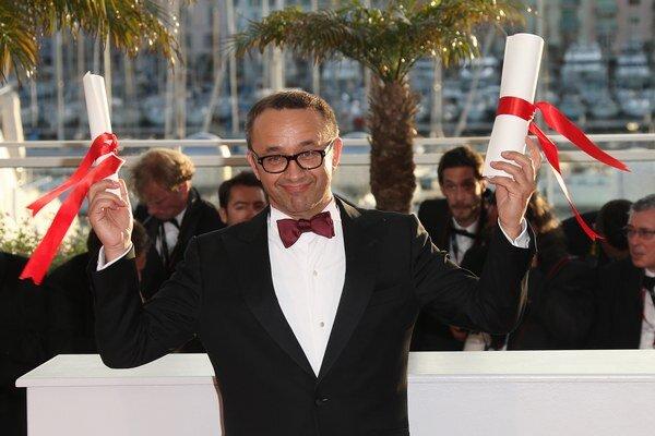 Andrej Zviagincev prišiel na festival v Cannes s moderným príbehom o vplyve štátu a cirkvi na život občana. Jeho film Leviatan odkazuje na biblické motívy aj na filozofické teórie, je tragický s humornými prvkami. Zviagincev je režisérom filmov Ná
