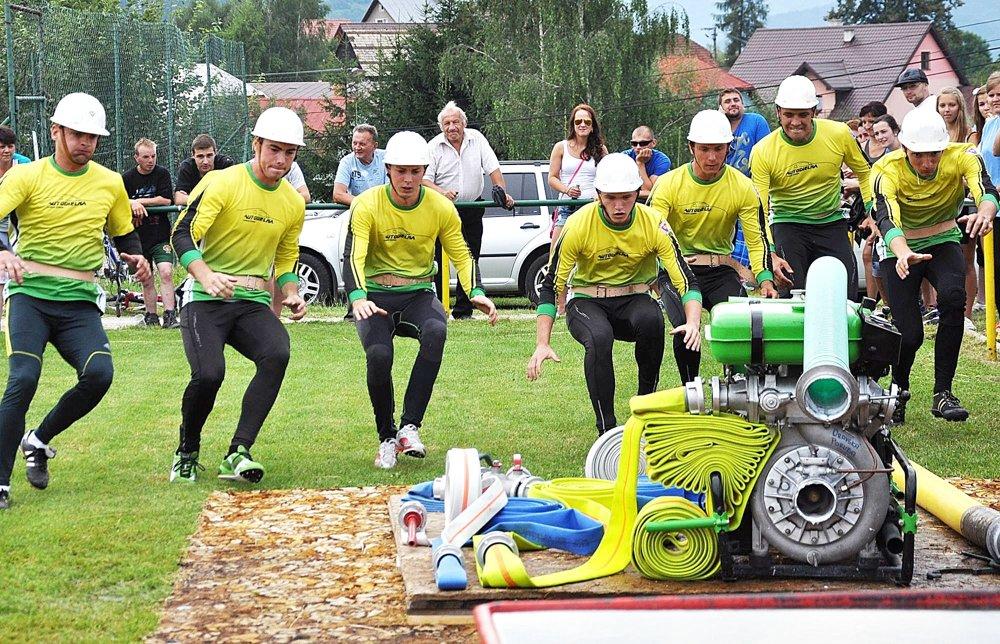 Pripravenosť hasičov na zásah preverujú súťaže.