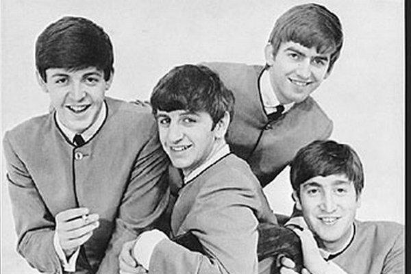 Kapela na obale amerického vydania singla.