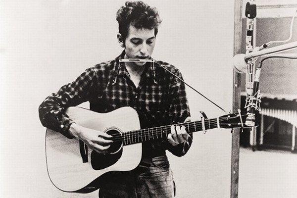 Bob Dylan  (1941) zložil okolo päťsto pesničiek, táto bola výnimočná aj na  jeho pomery. Nahral ju v roku 1965 pred albumom Highway 61 Revisited