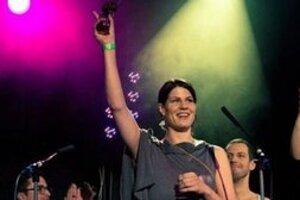 Speváčka s cenou za album roka 2011.