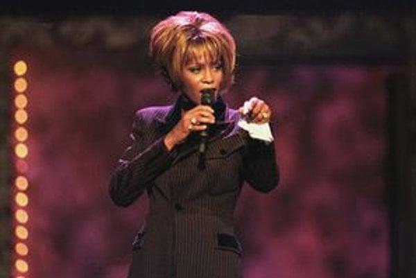 Whitney Houstonová počas odovzdávania cien Billboard Awards v roku 1998 v Las Vegas.