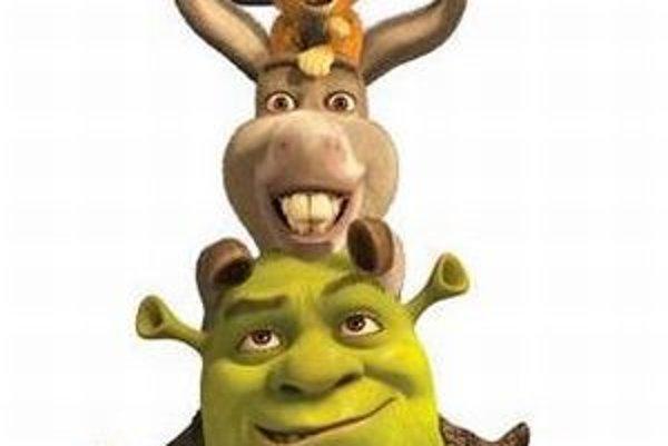 Animovaný Shrek s postavičkami, ktoré patria k inventáru celej série.