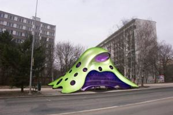 Cestujúci v Brne budú na autobus čakať v modernej zastávke. Navrhol ju  Jan Kaplický.