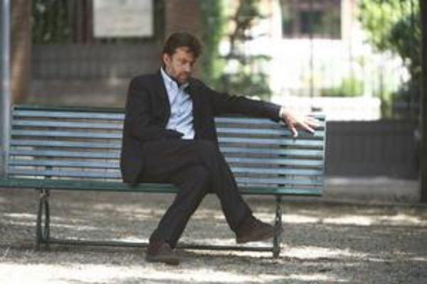 Nanni Moretti má Zlatú palmu z Cannes za intímny film Synova izba. Teraz bude rozprávať o ľudských neistotách v cirkvi.