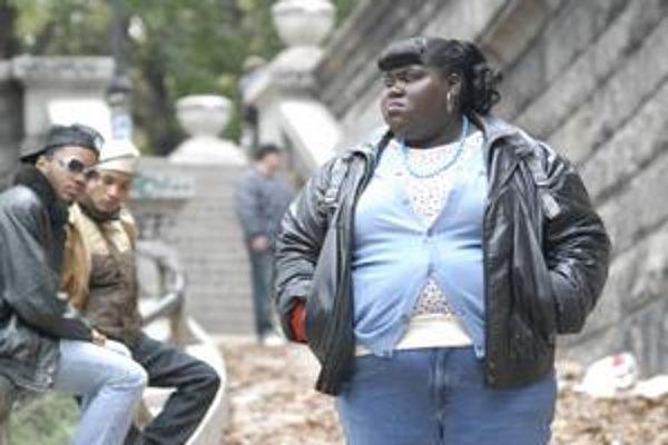 Precious, mladá žena bez peňazí, ale nie bez sebavedomia. Herečka Gabourey Sidibe (26) s touto úlohou len debutuje.