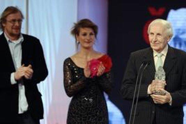Ladislav Chudík dostáva za postavu bývalého vyšetrovateľa ŠtB Kafku vo filme Kawasakiho ruže Českého leva.