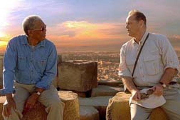 Morgan Freeman a Jack Nicholson v americkom filme Kým si po nás príde.