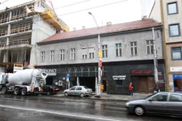 Budova, v ktorej bolo kino, mala sto rokov.
