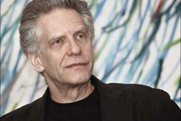 David Cronenberg aj iní budú mať problém prejsť stávkovými hliadkami scenáristov. Sú členmi ich syndikátu.