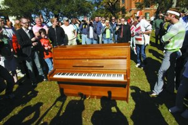 Piano, na ktorom Lennon zložil Imagine, je na turné.