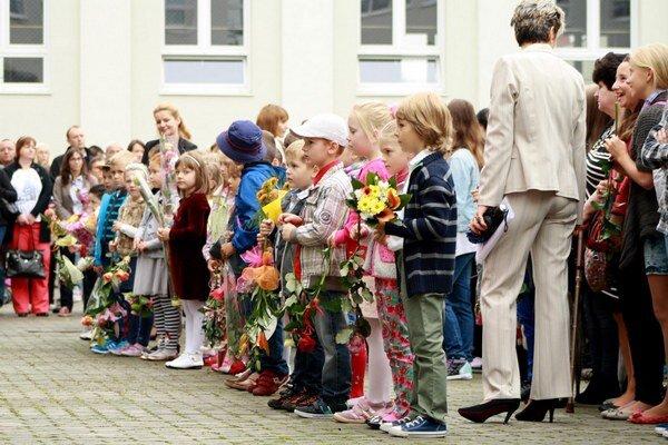 Materské a základné školy sa po prázdninách zaplnili deťmi.