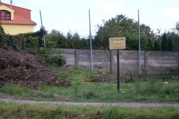 Za zrušený psí kútik na Svätoplukovej ulici náhrada nie je.