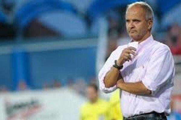 Juraj Jarábek, tréner Spartaka si myslí, že s domácimi prehrami by mohol hráčom pomôcť psychológ.