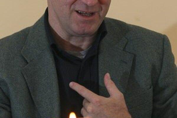 Konferencia biskupov Slovenska považuje momentálne Bezáka za rehoľníka, ktorého osud je záležitosťou rehole redemptoristov. Bezák je teraz výpomocným duchovným vo farnosti redemptoristov v Radvani. Do augusta mu ponúkli sabatický rok, ale nik ho neinf
