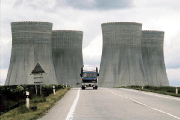 Názory na výstavbu novej jadrovej elektrárne sa rôznia.