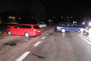 Autá sa zrazili čelne.