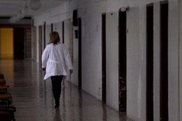 Podľa trnavského župana sú nemocnice v zriaďovateľskej pôsobnosti krajov tak dlhodobo diskriminované v porovnaní so štátnymi.