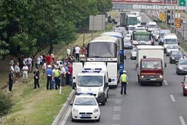 Fanúšikovia Trnavy po nehode.
