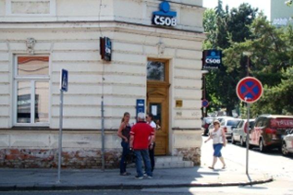Do pobočky ČSOB na Zelenom kríčku sa momentálne zákazníci nedostanú.