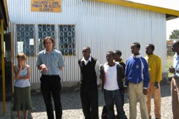 Otvorenie resocializačného centra pre chlapcov z ulice.