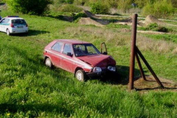 Kradnutú Škodu Favorit šoféroval bez vodičského preukazu.