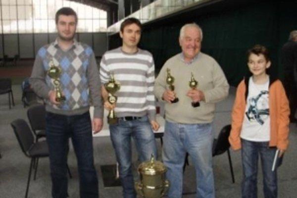 Ocenení víťazi Empire Cupu.