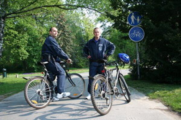 Cyklohliadka piešťanskej mestskej polície.
