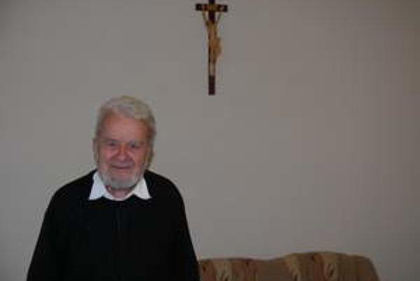 Páter Šebastián Labo žije v Trnave. Pripravuje ďalšiu knihu o apoštolských cestách súčasného pápeža.