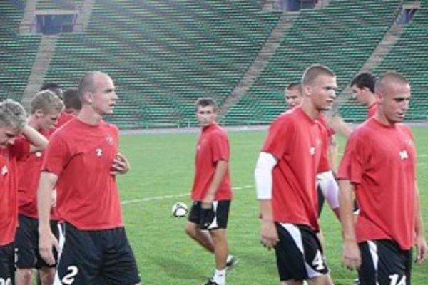 Hráči počas tréningu.