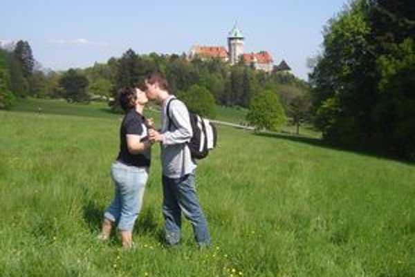 Smolenický zámok priláka každoročne množstvo turistov. Patrí k najobľúbenejším pamiatkam v Trnavskom kraji.